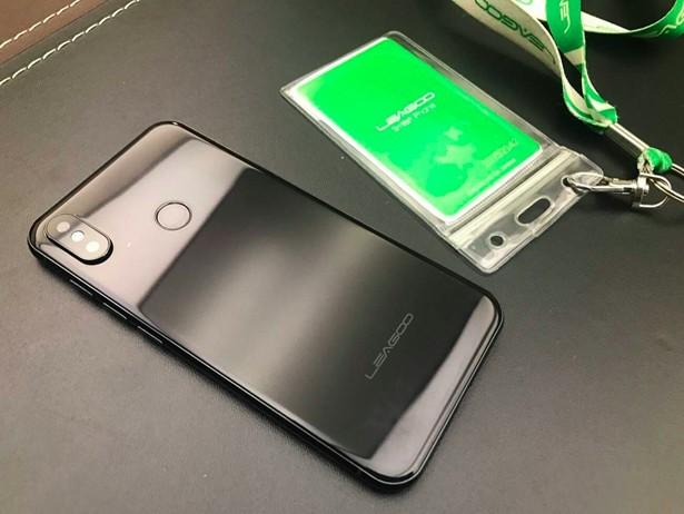 iPhone X Leagoo S9 1
